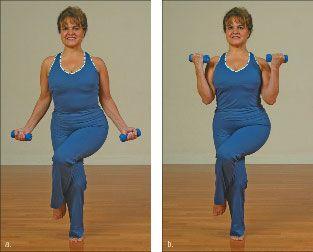 ���� - Wie wird die Yoga-mit-Gewichte Eagle-Übung zu tun