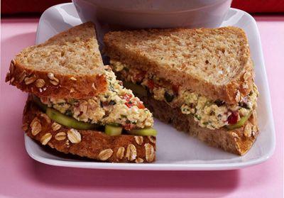 ���� - Wie man einen Eggless Salat-Sandwich