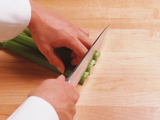 ���� - So verwenden Küchenmesser sicher