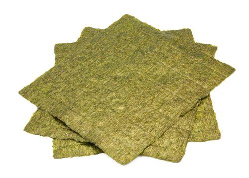 Nori ist die getrocknete Algen Papier häufig in Sushi verwendet. [Credit: & # 169-Ever, 2008]