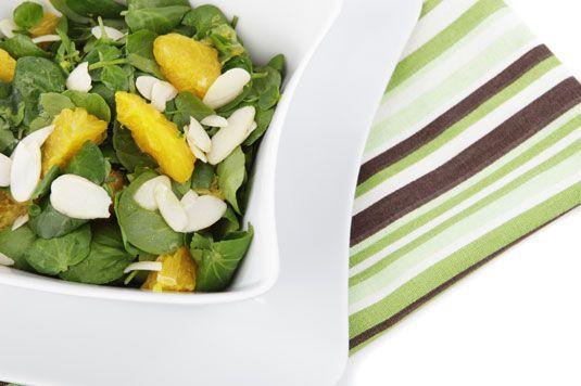 ���� - Rezept für Mixed Greens mit Citrus, Fenchel und Mandeln