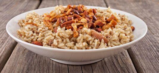 ���� - Gewürzte Reis mit Mandeln Rezept